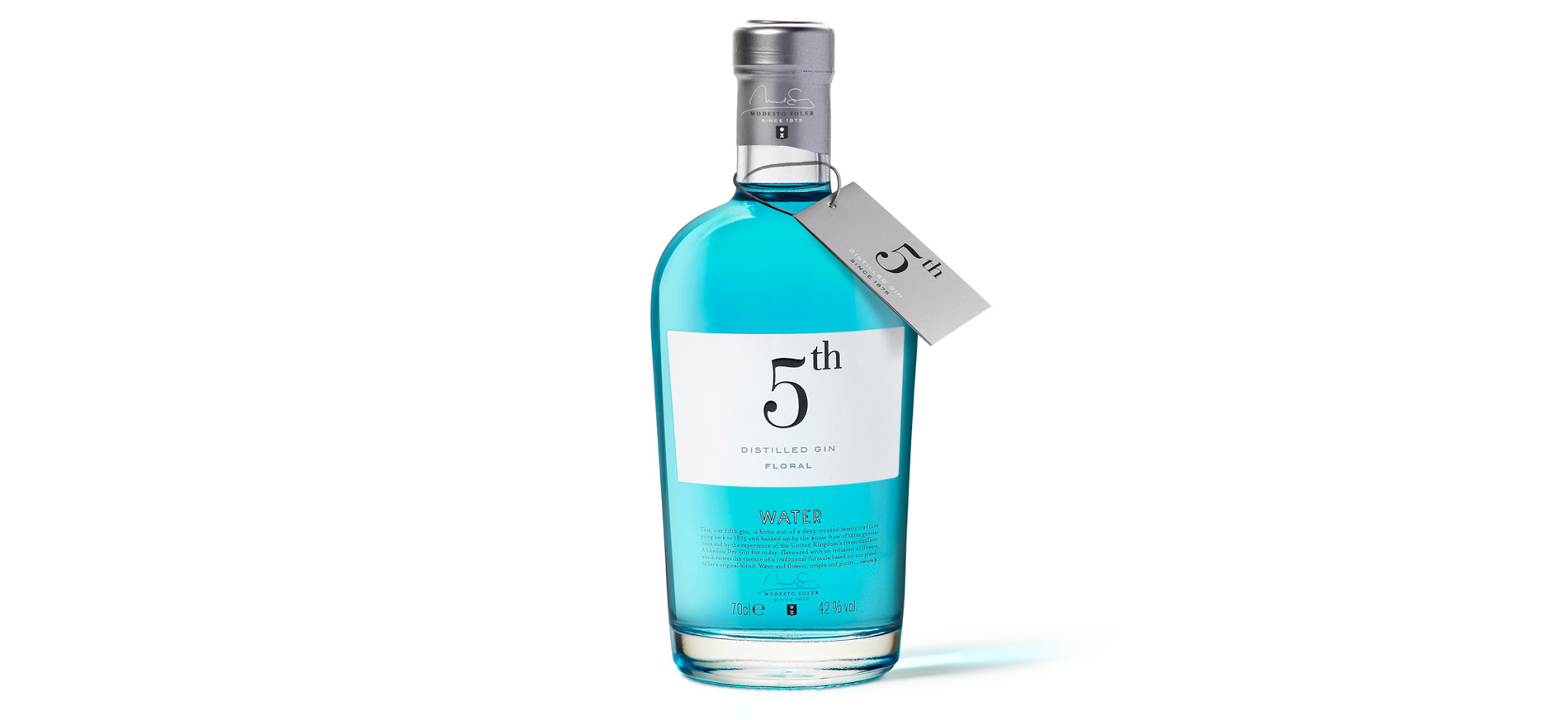 Diseño del Packaging de New 5th Gin de Destilerias del Maresme por Puigdemont Roca Design Agency