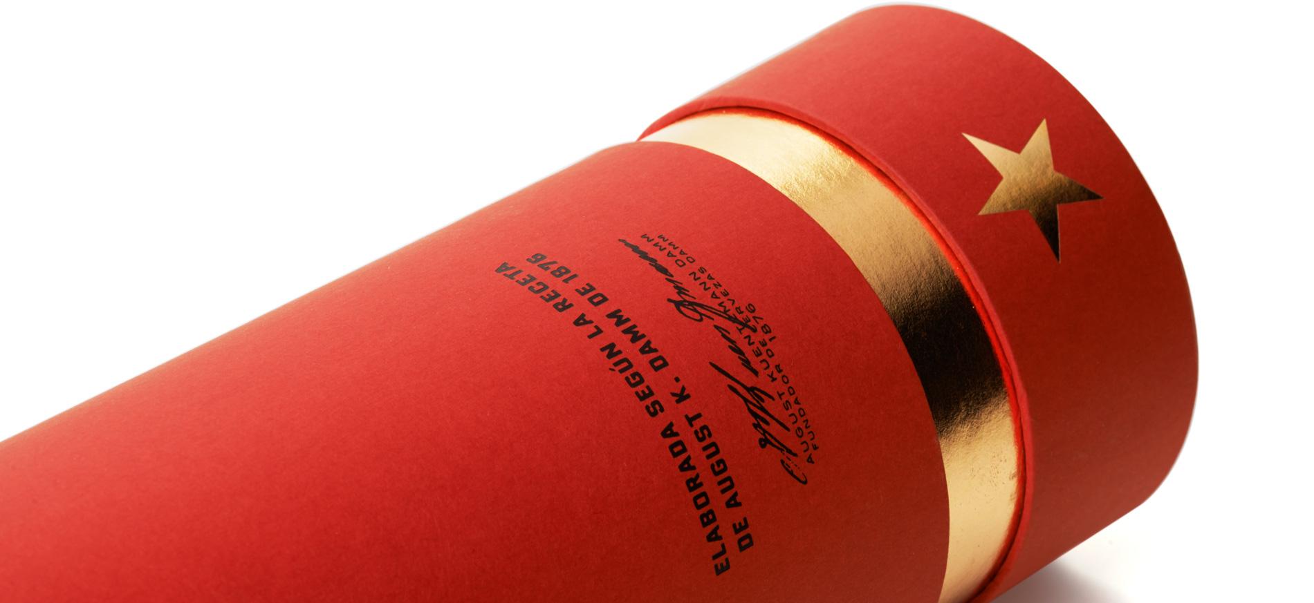 Diseño de Packaging de Caja Estrella Damm 66cl de Grupo Damm por Puigdemont Roca Design Agency